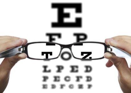 3d538c95b Deti sa v podstate rodia ďalekozraké, no za normálnych okolností tento  problém vymizne. Ako sa rieši ďalekozrakosť a aké má limity pre dieťa?