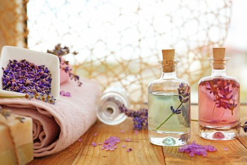 Aromaterapeutická lekárnička: levanduľa, čajovník a fenikel