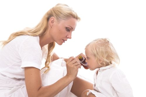 7 najčastejších chýb, ktoré robíme pri podávaní liekov deťom